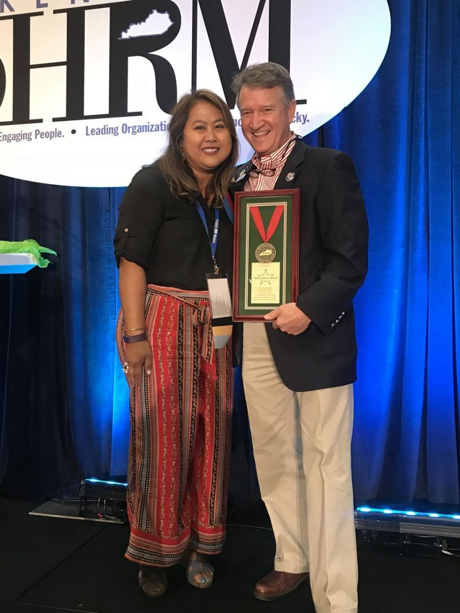Tiffany Cardwell receives the Lyle Hanna Spirit Award, August 2018